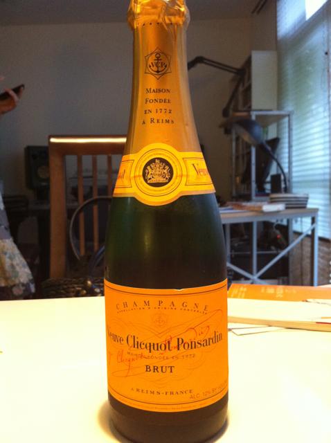 """夏の休日の午後はシャンパンが似合う  """"ヴーヴ・クリコ  イエローラベル""""  [Liquor] [Champagne]"""