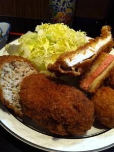 西麻布 三河屋 — 平日昼のみ営業 ごはん売り切れで閉店の名店で「ミックス定食」を堪能!