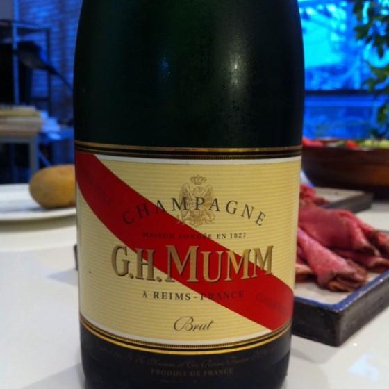 真夏の宵はシャンパンの酔いが良い