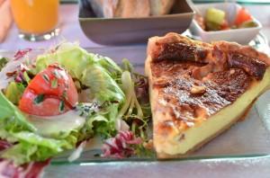 Cafe Gerge V (カフェ・ジョルジュ・サンク) 〜 パリ・シャンゼリゼのおしゃれなブラッスリーでランチ!キッシュが美味かった!! [2012年夏 ヨーロッパ旅行記 その15]