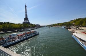 セーヌ川河岸 〜 パリの象徴であり起源!快晴の空の下エッフェル塔を臨む!! [2012年夏 ヨーロッパ旅行記 その17]