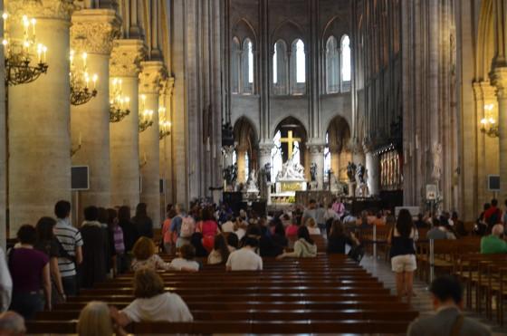 ノートル・ダム大聖堂 〜 パリ シテ島にある伝統ある教会は何もかもが大迫力だった!写真撮影OKが嬉しい!! [2012年夏 ヨーロッパ旅行記 その27]