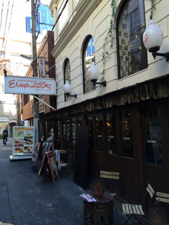 大阪 梅田・茶屋町 エレファントカフェ — Dpub 4 & 8 会場でエスニックランチを楽しむ♪