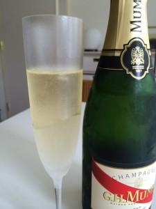 リーデル ヴィノム シャンパーニュ — オーストリア製フルート型シャンパングラスを購入♪