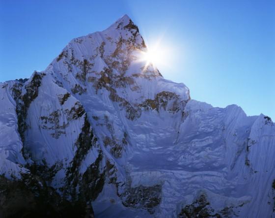 大いなる気づき:崖を登るときには上を向こう 下を向いて登ることはできない
