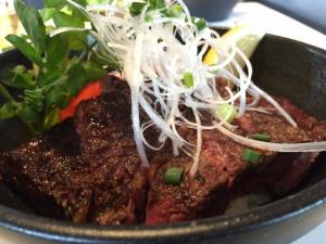 37 Steakhouse & Bar — 六本木ヒルズ けやき坂上の本格ステーキハウスでステーキ丼ランチを楽しむ!!