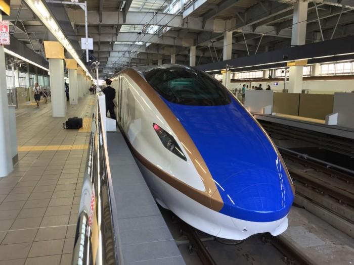 北陸新幹線 初乗車記 E7系「かがやき」 速い!揺れない!そして広い!!普通車でも十分すぎるデラックス感!!
