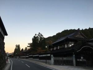 夜明けの高野山3kmラン!微妙に寝坊して大門に辿り着けず!明日こそは!!  [2015年晩秋の旅 旅行記 その2]