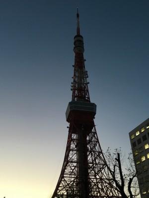 早寝早起きで疲れが出た!?今日からリセット 夜明けの東京タワーが美しかった早朝5kmラン! [ランログ]