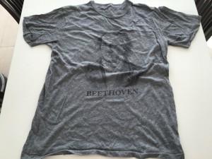 10年前にもらったベートーベンの顔Tシャツを処分   [1日1捨 No.38]