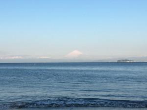 葉山 森戸海岸 〜 朝の散歩とスローラン!正面に富士山と江ノ島が見えて気持ち良かった!!  [2016年3月 葉山・三浦・鎌倉旅行記 その8]