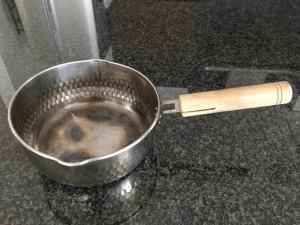 ボロボロになって把手もグラグラになった鍋をリプレースして処分 [1日1捨 No.85]