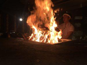 わらやき屋 六本木 〜 超本格的カツオの塩タタキが絶品!カウンター席で藁が燃える火柱に見とれろ!! [麻布グルメ]