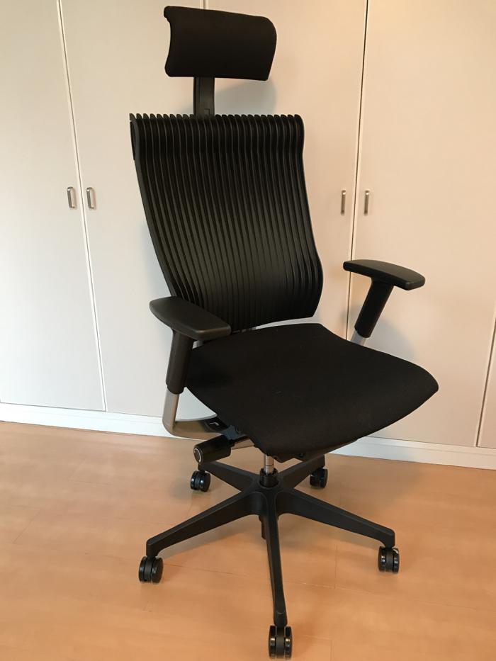 イトーキ スピーナ チェア 〜 高機能な仕事用の椅子を購入!ポイントは座面の高さと背面のライン!! [商品レビュー]