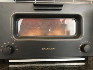 バルミューダ スチームオーブントースター(BALMUDA The Toaster)〜 噂のスチームトースターでクロワッサンを焼いてみたら凄かった!! [商品レビュー]