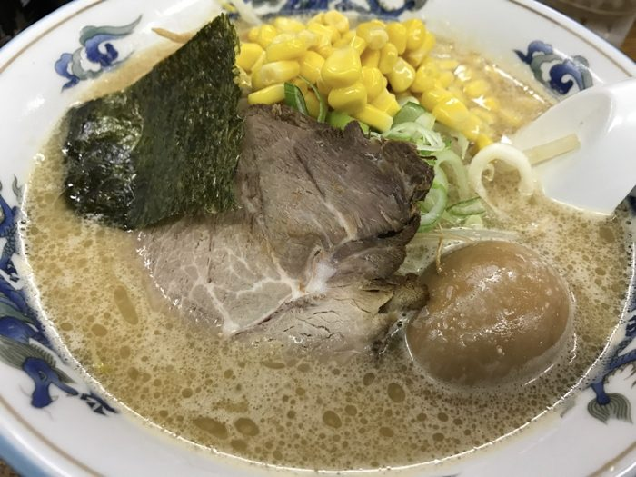 味の華龍 〜 札幌ラーメン横丁の老舗店で〆のみそコーンラーメンが美味かった!! [2017年6月 北海道旅行記 その8]