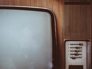 6年テレビがない生活をしているが最近テレビが欲しい、いや デスク以外でゆったり動画を良い画質と音で楽しみたい