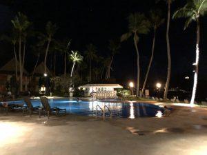 MESEKIU Waterhole Bar(メセキュウ ウォーターホールバー)〜 PPRのビーチサイドバーでパラオ3日目を〆る!! [2017年パラオ旅行記 その26]