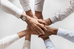 株式会社ツナゲルは「雇わない・雇われないチーム作り」で業務拡大を目指します